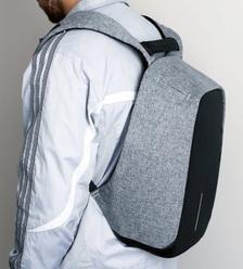 Рюкзак Bobby XD Design в раскрытом виде