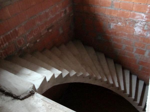 полувинтовая лестница