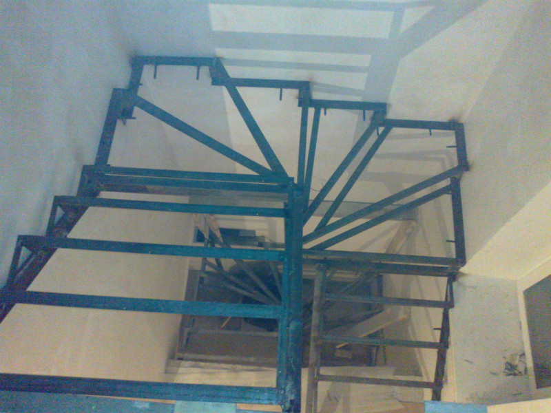 Каркас лестниц из металла своими руками