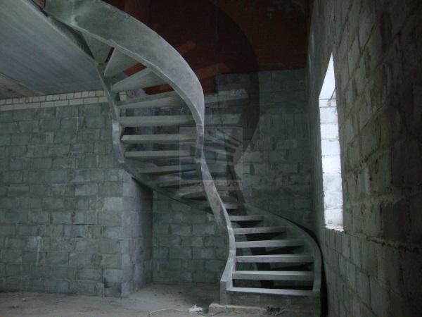 красивая бетонная лестница