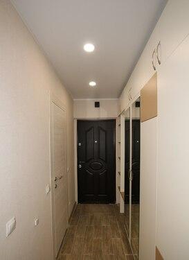 коридор и входная дверь