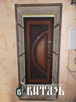 Входные двери фрамуга