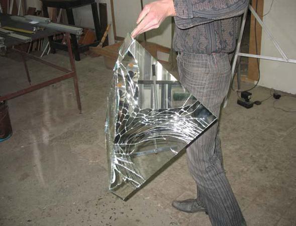 Защита зеркальных дверей-купе