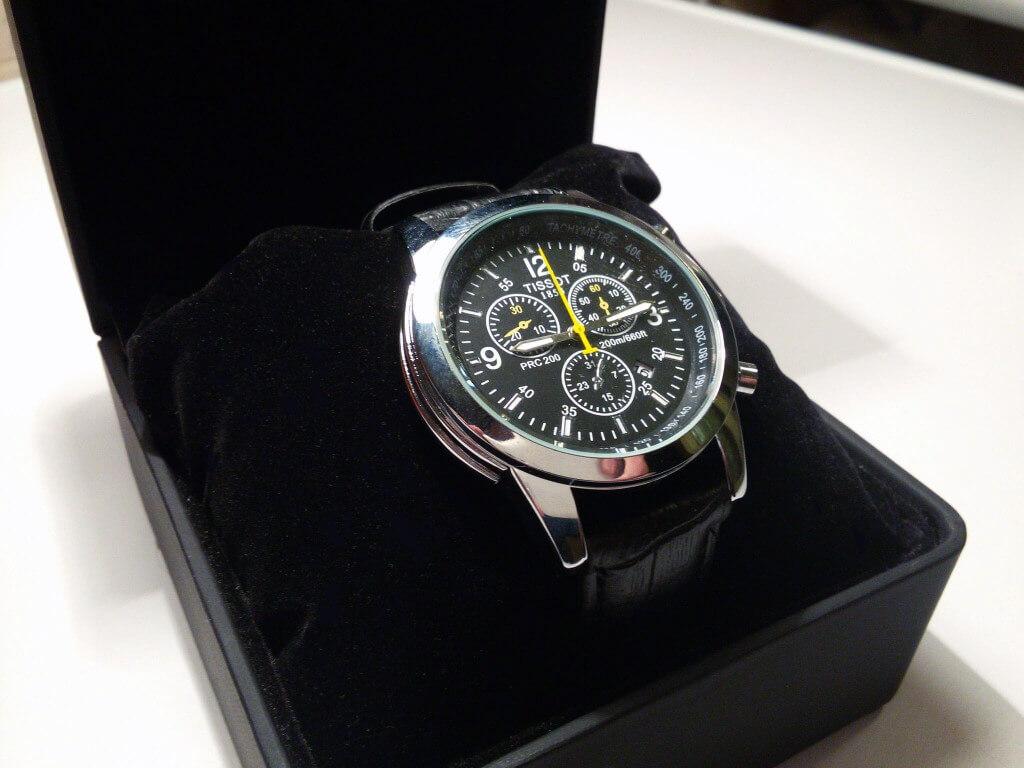 Часы Tissot кварцевые в коробочке