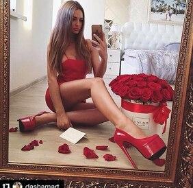 Букет в ванильной шляпной коробке с красными розами Love Box
