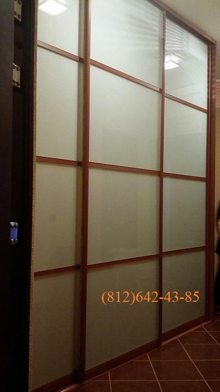 Двери-купе с матовым стеклом