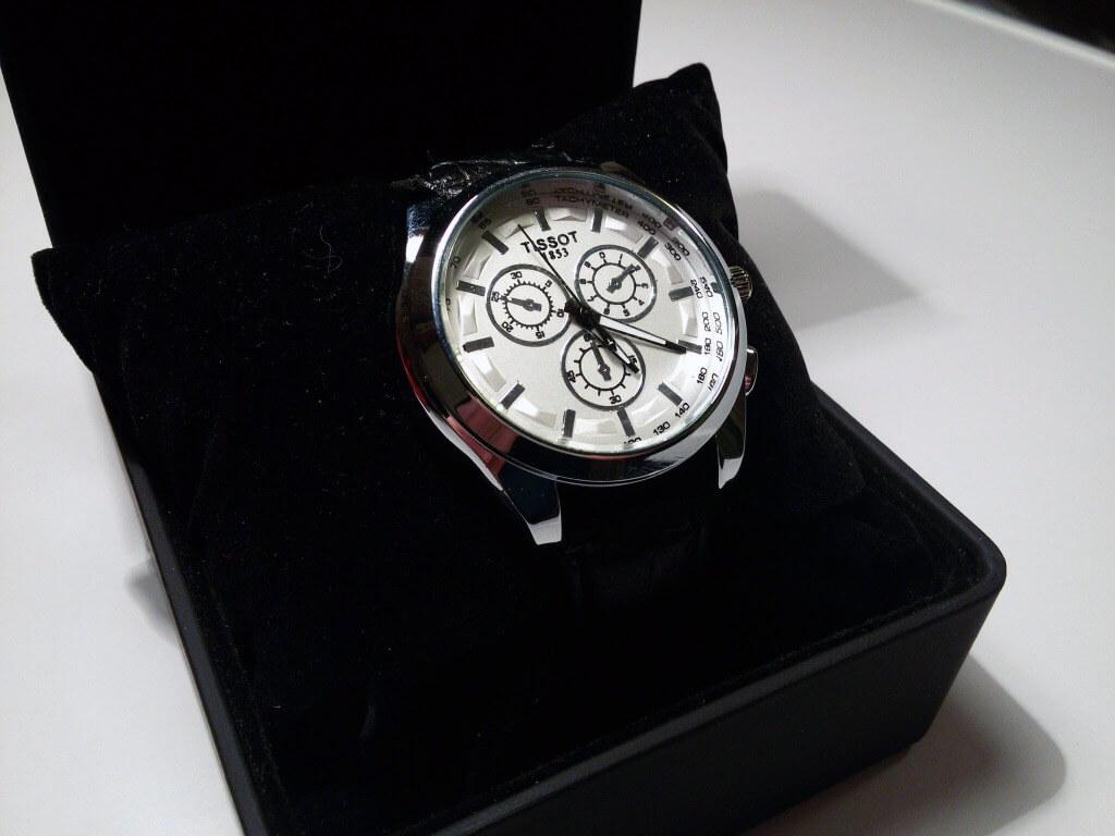 Часы Tissot в коробочке