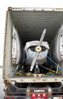 Упаковка самолета Ceesna-152 перед отправкой в Москву