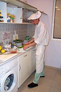 На учебном месте по подготовке домашнего повара