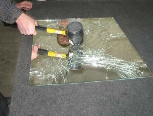Безопасность зеркальных дверей-купе